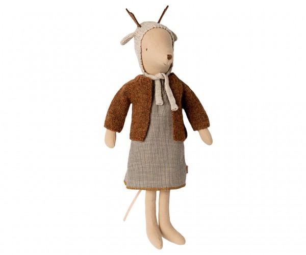 Maileg Mouse Girl Medium mit Kleidchen, Strickjacke und Mütze